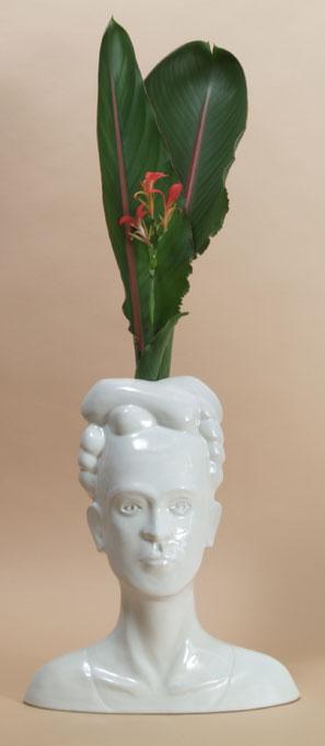 white-frida-vase